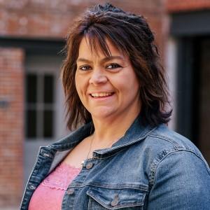 Headshot of Rozi Beaver Medone Employee
