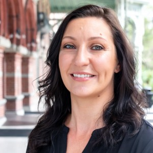 Headshot of Denise Diaz Medone Employee