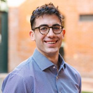Headshot of Drew Enscoe Medone Employee
