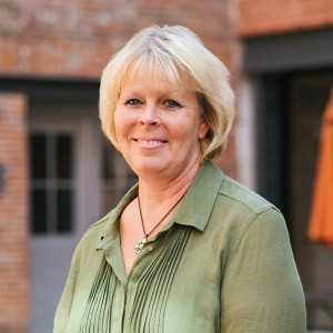 Headshot of Sheila Johnson Medone Employee