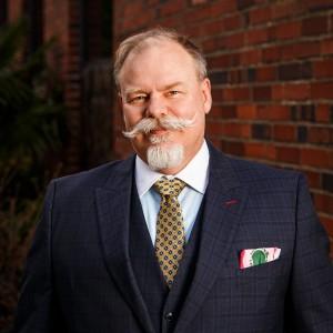 Headshot of Eric Riley Medone Employee