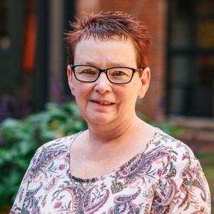 Headshot of Teresa Shaw Medone Employee